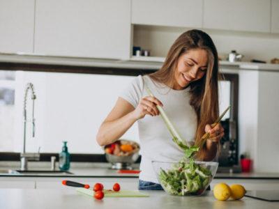 A nutricionista, Mayra Mota, faz parte da nossa equipe e fala um pouco da sua experiência em nutrição integrativa, vegetarianismo e comportamental